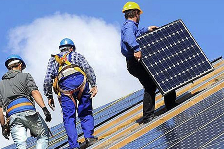 Advantages and disadvantages of the use of solar panels