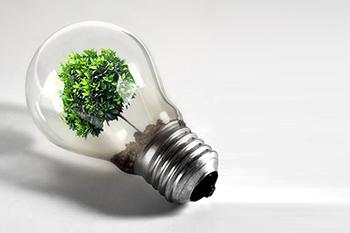Autosuffisance énergétique seulement avec des panneaux solaires : utopique ?