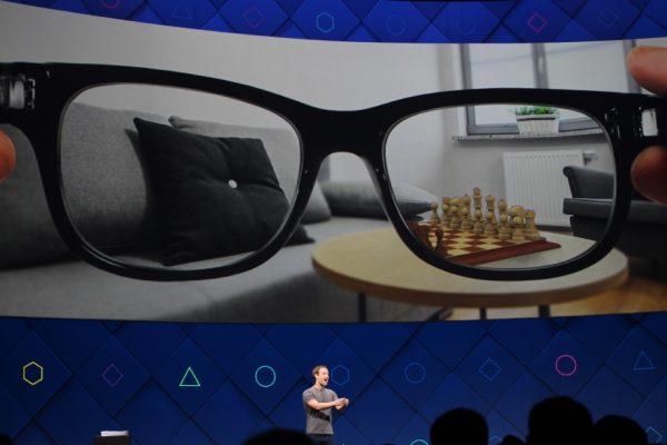 Occhiali realtà aumentata di facebook