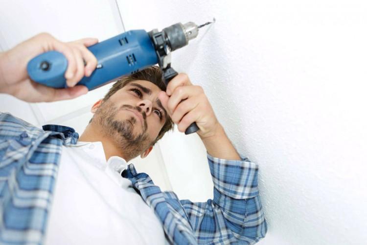 Eseguire fori nelle pareti senza danneggiare i cavi elettrici