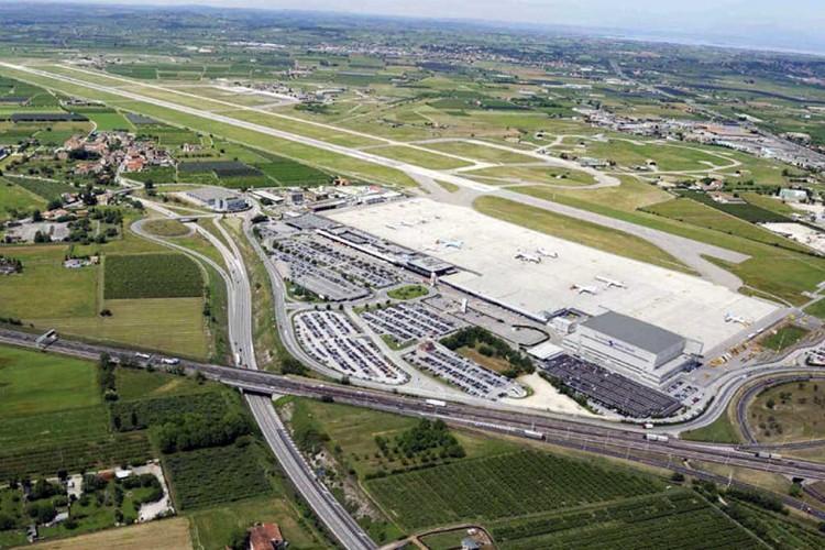 L'aéroport Catullo de Vérone est renouvelé, agrandi et illuminé grâce aux câbles LTC.